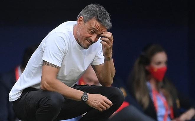 Nguy cơ 'toang' cao, Tây Ban Nha triệu tập gấp 11 cầu thủ