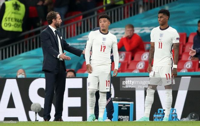 Thảm họa chiến thuật của HLV Southgate khiến đội tuyển Anh thua cay đắng trong loạt đá 11m - Ảnh 1.