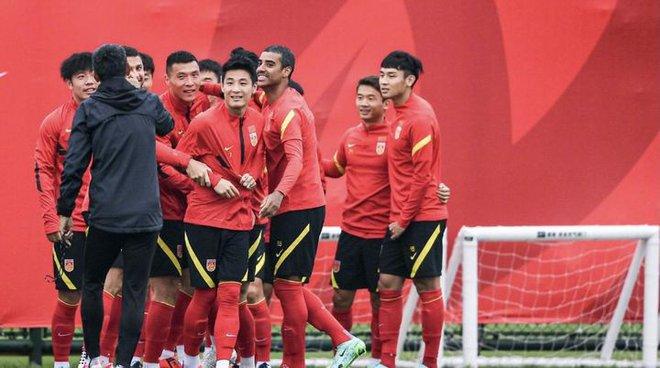 """HLV Trung Quốc tiết lộ bí kíp"""" của đội nhà khiến tuyển Việt Nam phải cảnh giác - Ảnh 2."""