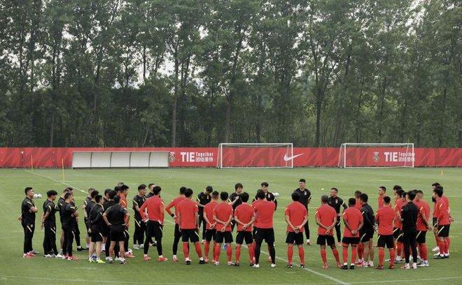 """HLV Trung Quốc tiết lộ bí kíp"""" của đội nhà khiến tuyển Việt Nam phải cảnh giác - Ảnh 3."""