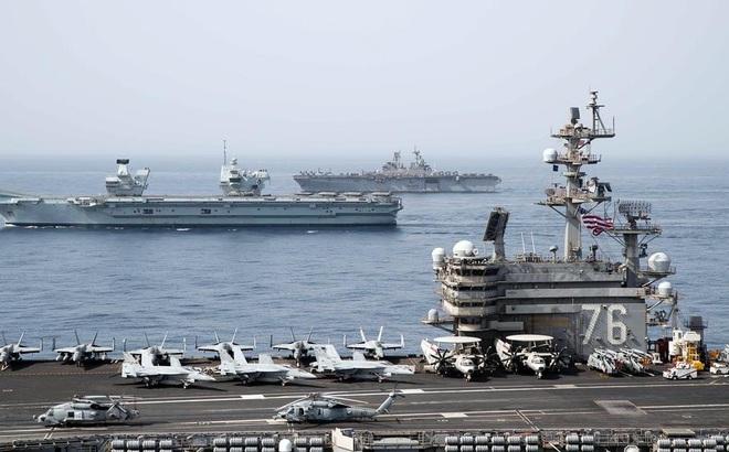 Hai tàu sân bay của Mỹ và Anh lần đầu tiên tham gia tập trận chung quy mô lớn