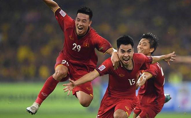 Các tuyển thủ háo hức khi được đá trên sân Mỹ Đình: