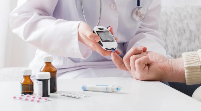 4 lưu ý dành cho bệnh nhân đái tháo đường trong mùa dịch Covid-19 - Ảnh 1.