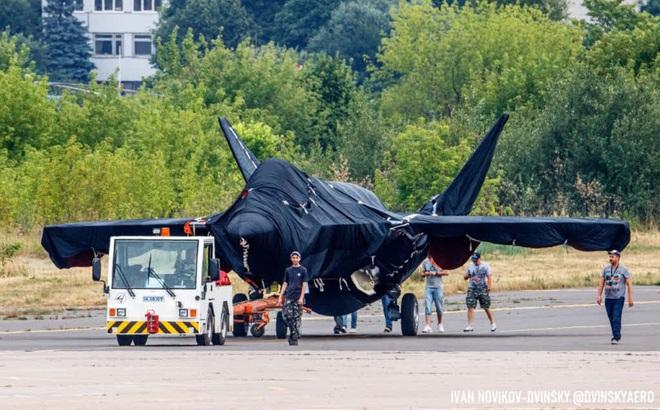 ГОРЯЧЕЕ: Готовим последний крупный план загадочного российского истребителя на МАКС-2021-Class
