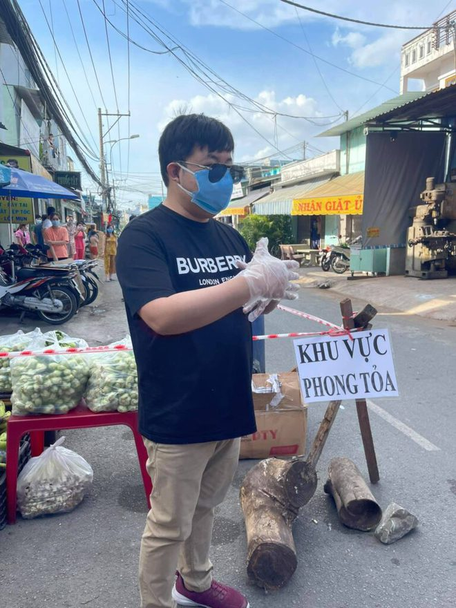 Xúc động và nể phục hành động của loạt nghệ sĩ Việt giữa đại dịch Covid-19 - Ảnh 1.