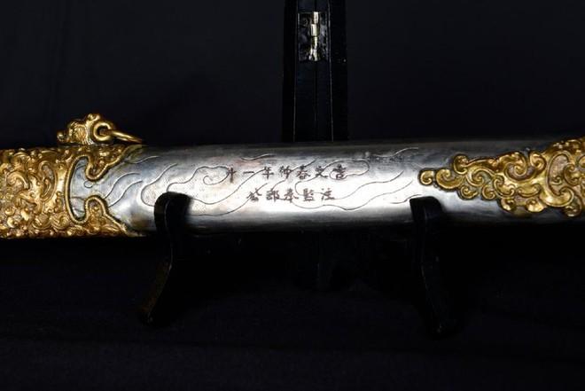 Kiếm của vua Thành Thái được bán đấu giá ở Mỹ: Nhiều thông tin khó hiểu, mức giá chốt khác xa kỳ vọng  - Ảnh 7.