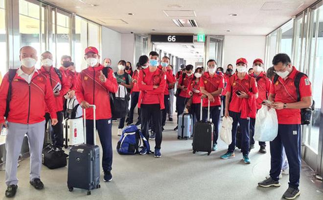 Đoàn thể thao Việt Nam đã tới Tokyo an toàn, tiến hành kiểm tra y tế trước khi nhập làng VĐV