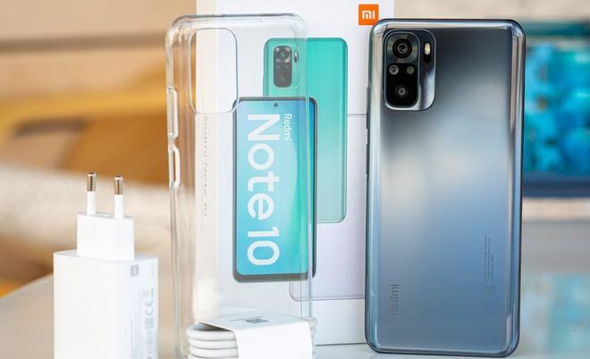 5 mẫu điện thoại giá rẻ vừa ra mắt năm 2021, thiết kế mãn nhãn, pin trâu 2