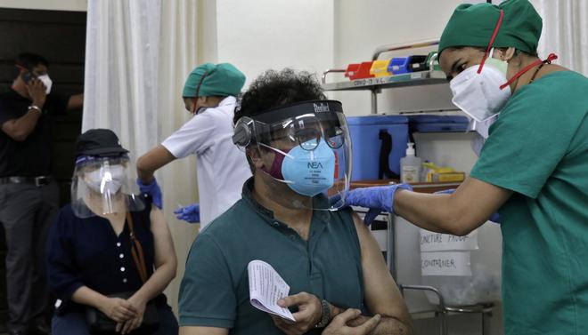 Campuchia lên tiếng về nghi ngờ hiệu quả vaccine Covid-19 của TQ; 2/3 dân số Ấn Độ đã có kháng thể với SARS-CoV-2 - Ảnh 1.