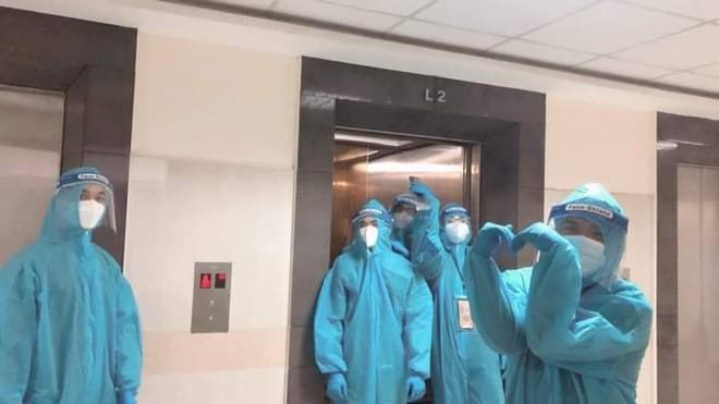 F0 ở bệnh viện dã chiến kể chuyện tiếng chuông vang lên trong đêm, cảnh tượng sau đó khiến ai nấy choáng váng - Ảnh 1.