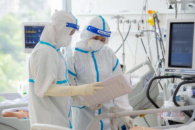 Hà Nội phát hiện 51 ca dương tính SARS-CoV-2 trong sáng nay; 5 người tụ tập bàn thời sự khi cả tỉnh đang giãn cách xã hội - Ảnh 1.