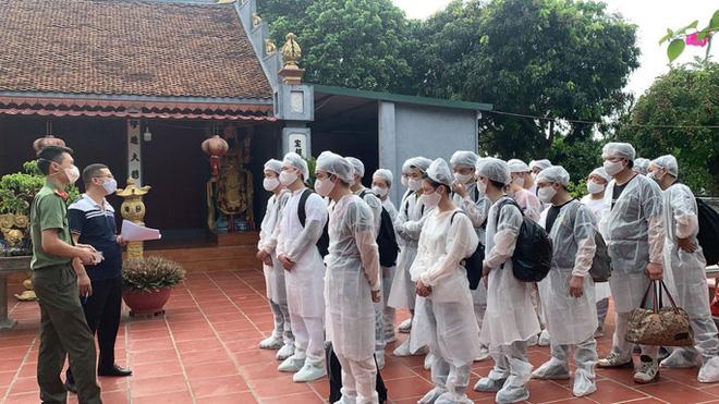 1 hộ dân cho 20 người Trung Quốc nhập cảnh chui lưu trú tại nhà; Khử khuẩn toàn TP.HCM trong 7 ngày tới - Ảnh 1.