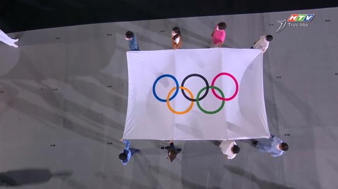 TRỰC TIẾP Lễ khai mạc Olympic 2020: Đoàn Việt Nam diễu hành trong sắc đỏ - Ảnh 2.