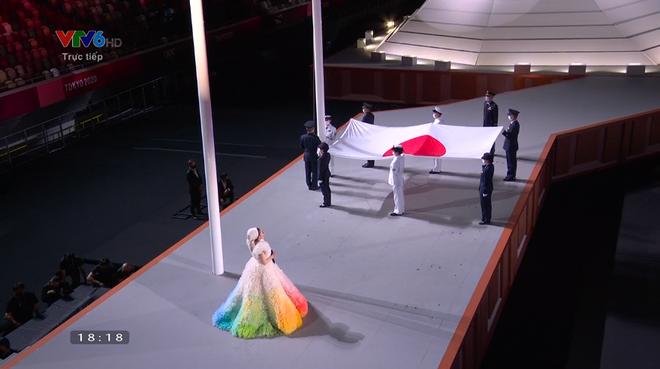 TRỰC TIẾP Lễ khai mạc Olympic 2020: Hơn 3 tiếng hoành tráng hay sự bí mật... tiết kiệm? - Ảnh 6.