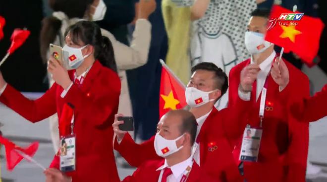 TRỰC TIẾP Lễ khai mạc Olympic 2020: VĐV Việt Nam sẵn sàng cho lễ diễu hành - Ảnh 5.