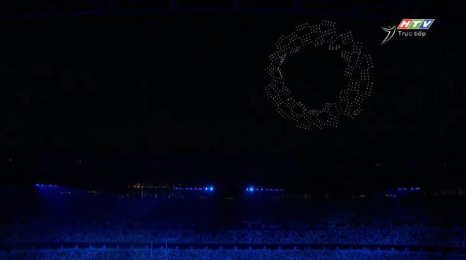 TRỰC TIẾP Lễ khai mạc Olympic 2020: Đoàn Việt Nam diễu hành trong sắc đỏ - Ảnh 5.
