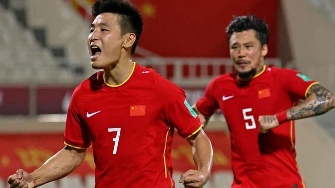 Ngôi sao sáng nhất cùn mòn thảm hại, Trung Quốc lo lắng vì hết thứ để dọa đội tuyển Việt Nam - Ảnh 4.
