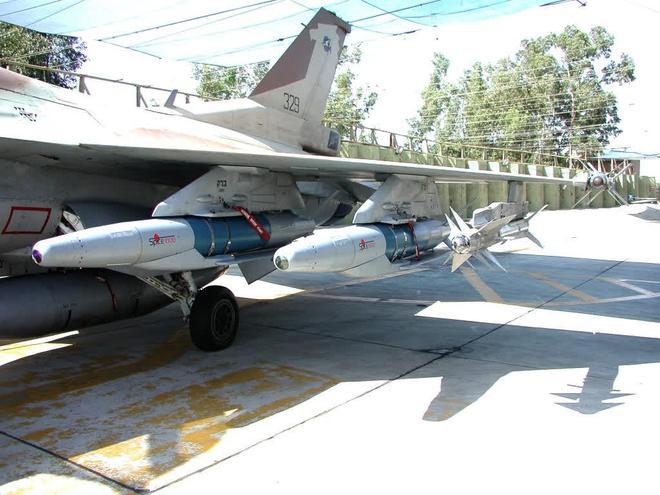 Tên lửa, tiêm kích Su-30SM Nga lập kỳ tích mới ở Syria, F/A-18 Mỹ tháo chạy, Israel gục ngã - Ảnh 2.