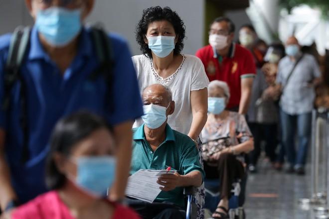 Indonesia tính tới phương án liều lĩnh, chuyên gia y tế ngăn cản; Phát hiện cách tiêm vaccine giúp tăng kháng thể nhiều hơn hẳn - Ảnh 1.