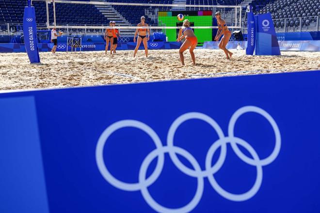Đông Nam Á nhận tin vui từ AstraZeneca; Olympic Tokyo lần đầu tiên có trận đấu bị hủy vì cầu thủ nhiễm COVID-19 - Ảnh 1.
