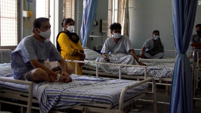 Phát hiện đáng mừng về sức mạnh của 1 vaccine có ở Việt Nam; Thảm họa khủng khiếp ập xuống bệnh nhân Covid-19 Ấn Độ - Ảnh 1.