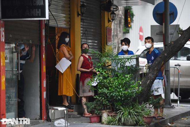 Có ca dương tính, Hà Nội phong tỏa, xét nghiệm người dân quanh 39 Hàng Bài. Hôm nay, TP.HCM thêm 5.997 ca COVID-19, Hà Nội có 81 ca - Ảnh 3.