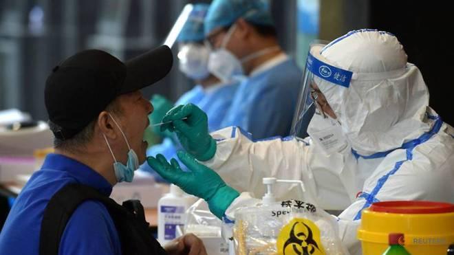 Việt Nam nhận tin vui từ Anh và Séc; Nhiều công ty Mỹ viết thư yêu cầu TT Biden viện trợ thêm vaccine cho Việt Nam - Ảnh 1.
