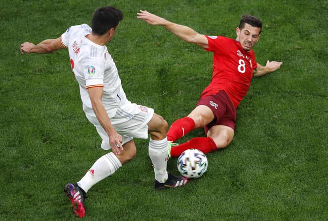 Thủ môn lên thần, Thụy Sĩ vẫn gục ngã sau 120 phút kiên cường trước Tây Ban Nha - Ảnh 4.