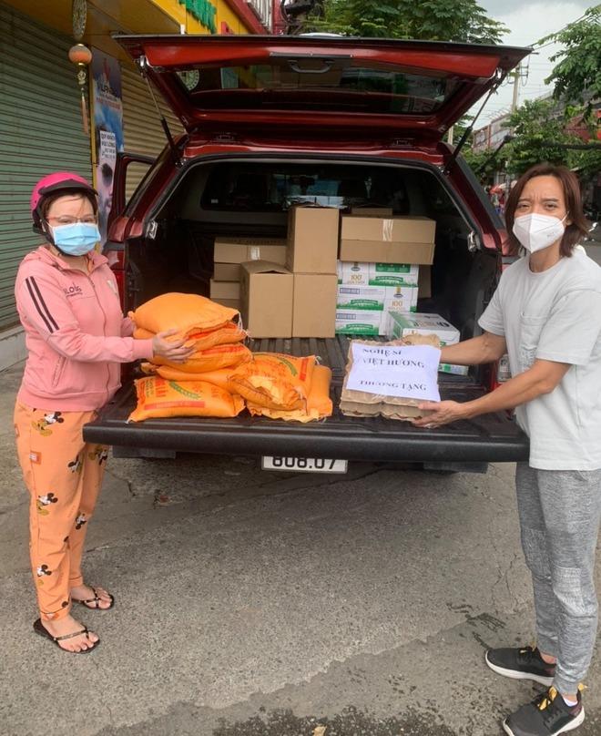 Việt Hương thách antifan ủng hộ 5 tấn gạo thì sẽ thực hiện lời hứa danh dự này! - Ảnh 3.