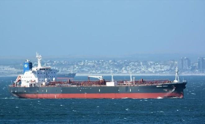 Hải quân Mỹ xác định thủ phạm tấn công tàu dầu Israel - 200 lính Mỹ ở Afghanistan có thể bị bao vây trong 24h tới, Lầu Năm Góc hành động khẩn - Ảnh 1.