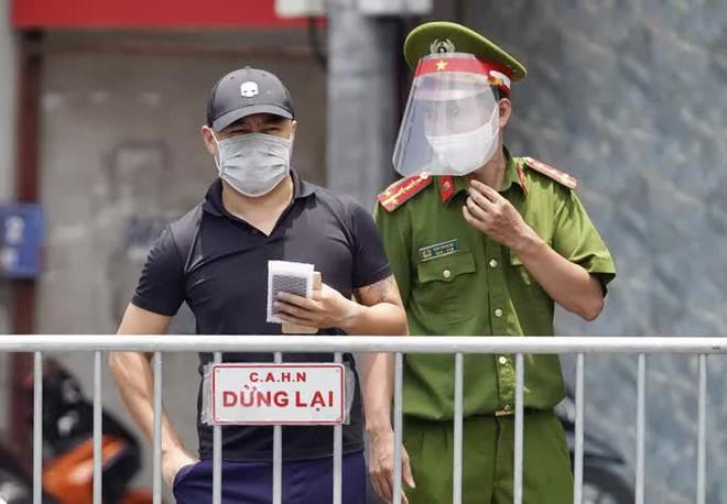 Hà Nội: Cách ly phường Chương Dương 14 ngày; Trưa 31/7 phát hiện thêm 26 ca dương tính với SARS-CoV-2 - Ảnh 2.