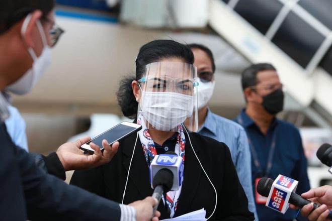 Campuchia báo tin vui - Mỹ làm gì với các lọ vaccine sắp hết hạn? - Ảnh 1.
