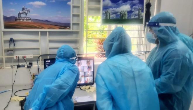 Bộ Y tế nỗ lực tháo gỡ những bất cập trong các khu cách ly tập trung tại TP HCM - Ảnh 1.