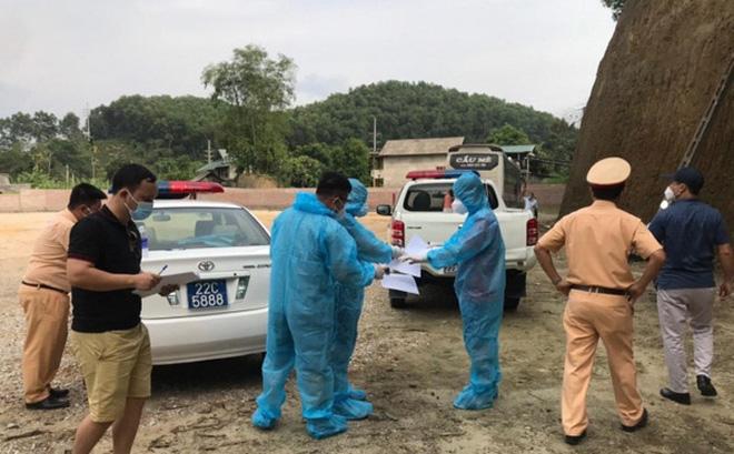 Hành trình F0 trốn viện bắt xe từ Mỹ Đình về Hà Giang, phát hiện nhiều người ở Hà Nội liên quan