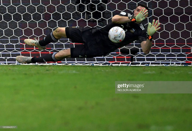 Messi thể hiện bản lĩnh, Argentina lọt vào chung kết Copa America sau loạt 11m cân não - Ảnh 5.
