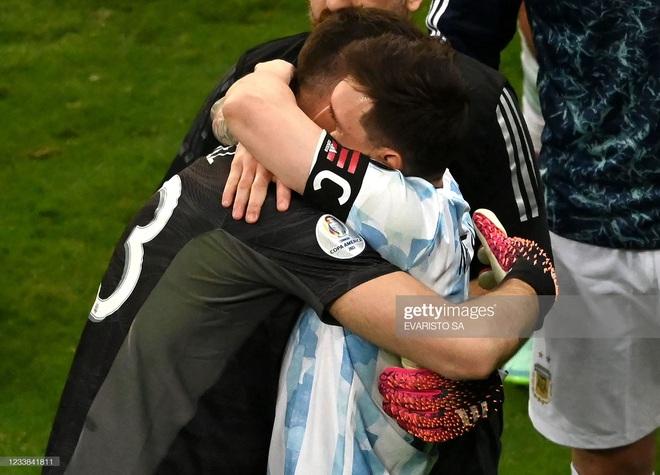Messi thể hiện bản lĩnh, Argentina lọt vào chung kết Copa America sau loạt 11m cân não - Ảnh 6.
