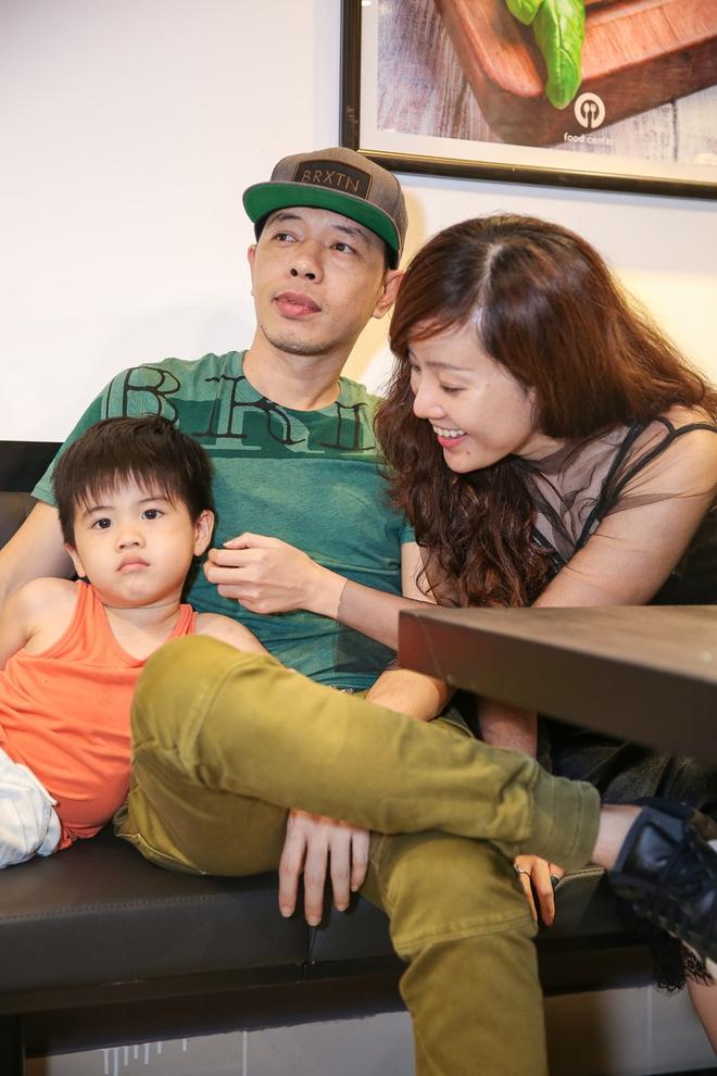 Thái Hòa sau ly hôn Cát Phượng: Xót xa vì con thiếu hạnh phúc, viên mãn bên vợ kém 11 tuổi - Ảnh 5.