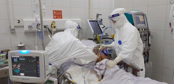 Một bệnh nhân COVID-19 tử vong liên quan biến chủng Delta. Dịch Covid-19 tại TP.HCM rất phức tạp, khả năng còn tăng nhanh những ngày tới - Ảnh 1.