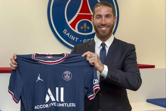 Sergio Ramos chính thức ra mắt PSG, nhận chiếc áo số 4 quen thuộc - Ảnh 1.