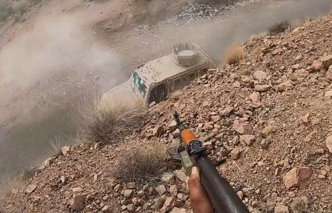 NÓNG: Taliban tấn công trụ sở Liên hợp quốc ở Herat, cấp tốc giải vây - Tàu Israel bị săn diệt, quốc tế sôi sục - Ảnh 1.