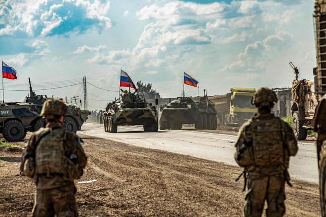Bất ngờ áp sát căn cứ Nga ở Syria, Quân đội Mỹ chuốc thất bại bẽ bàng - Tàu Israel bị săn diệt, quốc tế sôi sục - Ảnh 1.