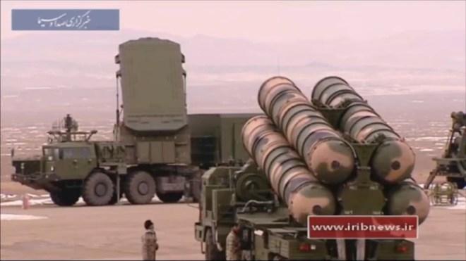 Tư lệnh Hải quân Mỹ bất ngờ ra tuyên bố gợi đòn Nga - Đưa S-300 phòng thủ, Iran sẵn sàng trước đòn thù của Mỹ, Anh và Israel! - Ảnh 1.