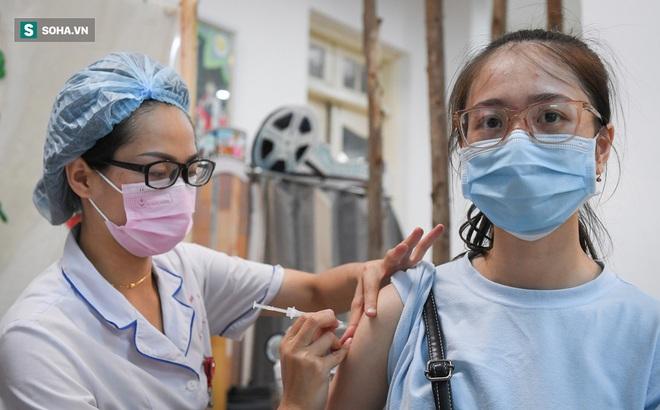Chồng và 2 con bệnh nhân bán hàng online ở Hà Nội dương tính SARS-CoV-2; đại diện nói về thông tin sức khỏe Phi Nhung diễn biến xấu - Ảnh 1.