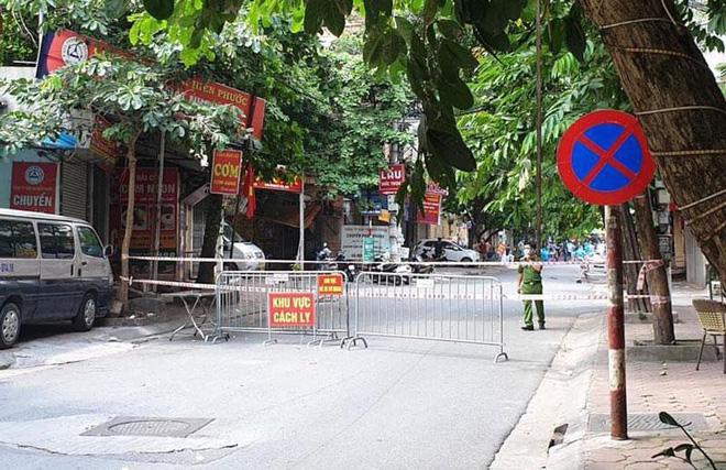 Hà Nội: Gỡ phong toả hàng loạt khu vực cách ly tại ổ dịch ở Hoàng Mai, Đống Đa, Hoàn Kiếm - Ảnh 3.