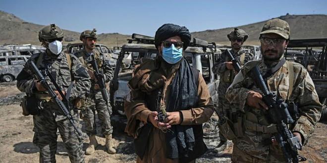 NÓNG: Quân nổi dậy Afghanistan đánh lan từ Panjshir sang tỉnh lân cận - Taliban ôm đầu máu tháo chạy! - Ảnh 2.