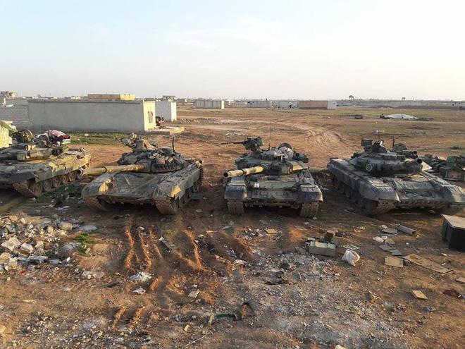 Quân nổi dậy phản công tái chiếm 3 khu vực, Taliban giết người bừa bãi ở Panjshir - 30 tăng, 12 bọc thép Nga cơ động áp sát Afghanistan - Ảnh 1.