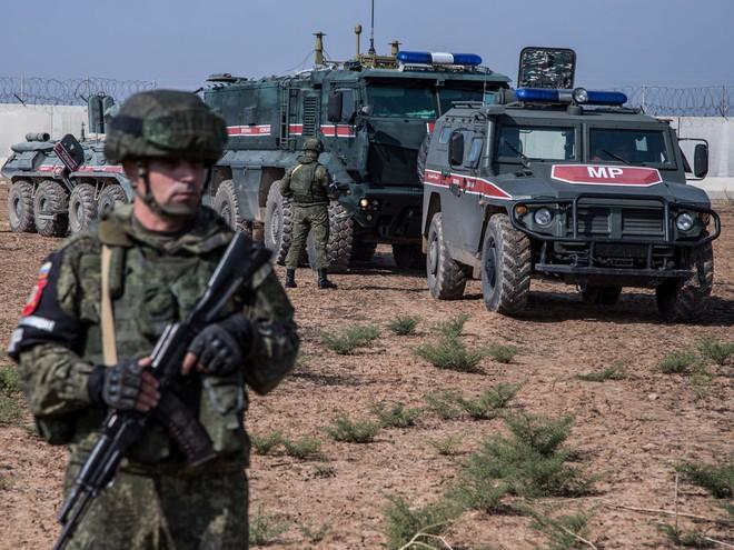 Tên lửa S-400 Nga tham chiến, giúp Syria bắn hạ hàng loạt tên lửa tối tân, Israel choáng váng - TT Putin đích thân ra trận - Ảnh 2.