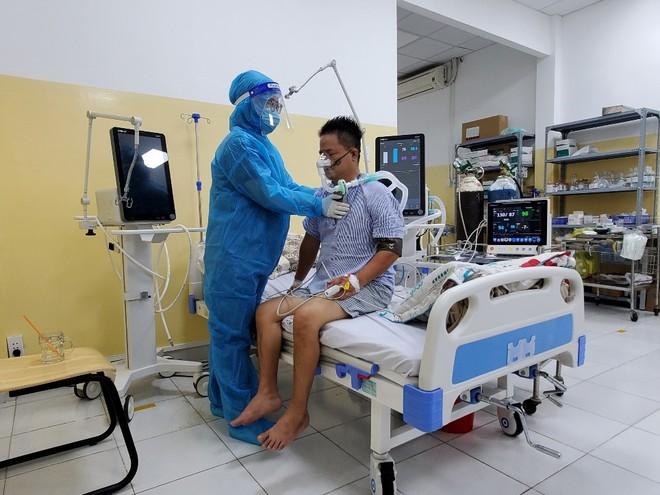 Bác sĩ Việt Kiều chỉ ra điều rất quan trọng cần làm sau khi điều trị khỏi cho bệnh nhân Covid-19, nhất là bệnh nhân nặng - Ảnh 2.