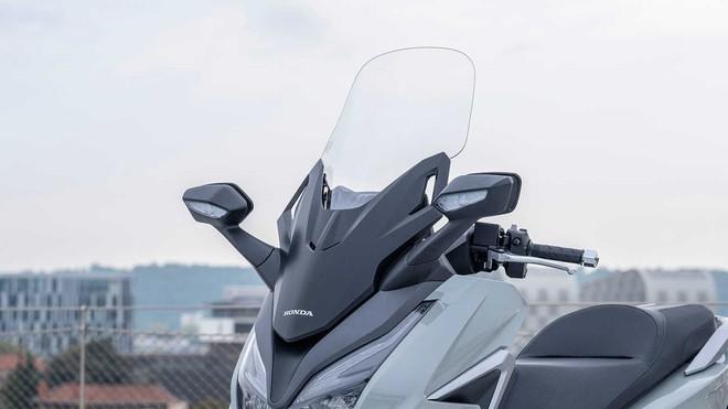 Xe máy Thái chặt đẹp Honda SH 350i, tích hợp điều khiển bằng giọng nói, bình xăng 11,7L - Ảnh 10.