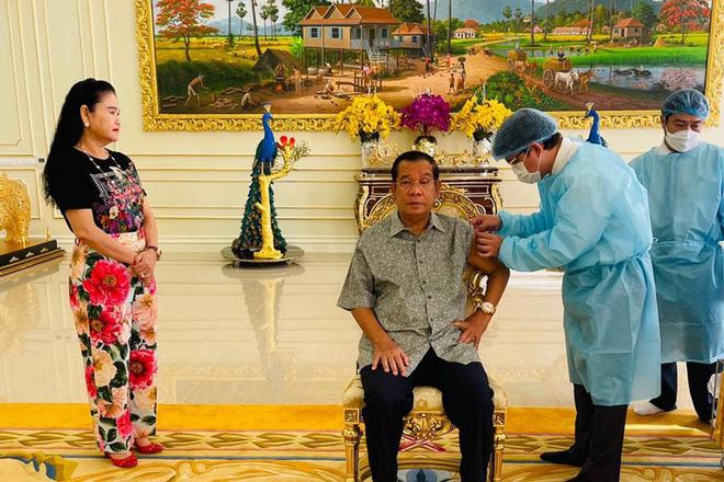 Đánh giá mới về vắc xin Sinopharm; Trung Quốc thủng lưới vì một ca nhiễm đặc biệt chưa từng thấy - Ảnh 1.